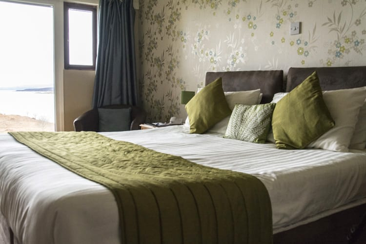 loch-melfort-hotel-oban-accessible-room-bed