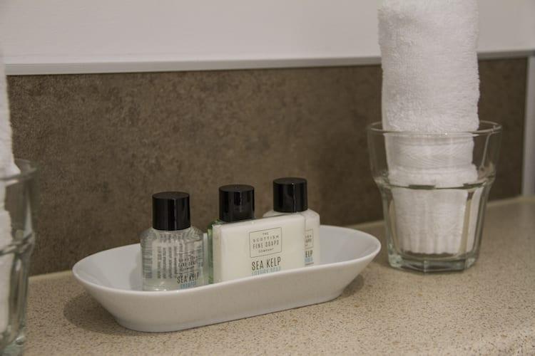 loch melfort hotel oban main house bathroom