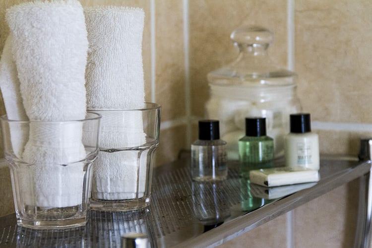 loch melfort oban hotel main house bathroom